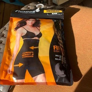 NWT Flexees by Maidenform high waist thigh slimmer